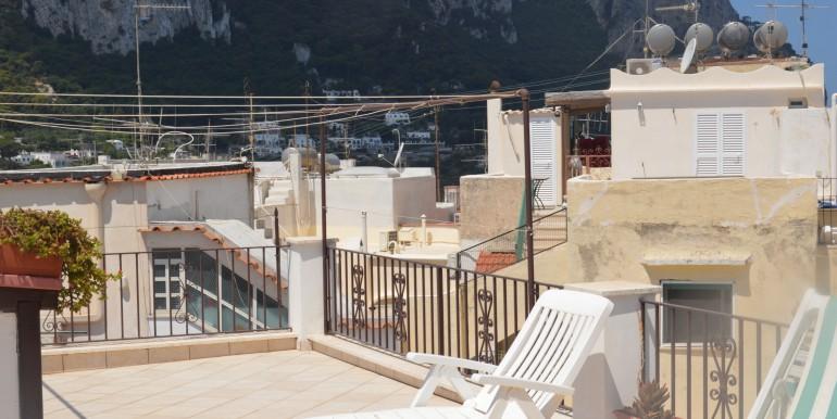 Appartamento centralissimo con terrazza | caprinnimmobiliare.com ...